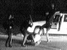 Vlnu násilí odstartoval surový zákrok �ty� policist� proti �erno�skému...
