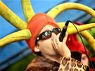 """Radek """"Gipsy"""" Banga p�i vystoupen� divadeln� hudebn� skupiny Ka�p�rek v rohl�ku"""