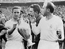 MADRIDŠTÍ HRDINOVÉ. Fotbalisté Realu Madrid byli prvním týmem, který hrál
