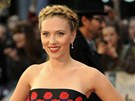 Scarlett Johanssonov� p�i lond�nsk� premi��e filmu The Avengers