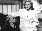 Ve filmu Muži nestárnou ztvárnila Kabátová ženu ve třech životních etapách -