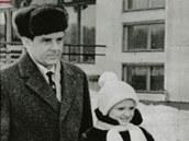 Vladimír Komarov s dcerou Irinou a ženou Valentinou