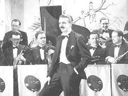 Orchestr zpěváka a skladatele R. A. Dvorského Melody Boys.