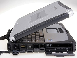 Toughbook CF-19: lev strana