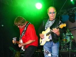 Petr Janda a Milan Broum na koncertě v rámci turné k albu Dám si tě klonovat