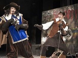 Z inscenace Divadla v Dlouhé Tři mušketýři (Jan Vondráček jako Athos, Marek