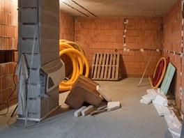 Jako první bylo nutné udělat hydroizolaci podlahy.