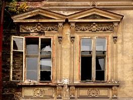 Mezi ruinami dom� v Kyselce chystaj� letos premi�rov� zah�jen� l�ze�sk�ho...