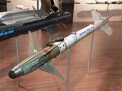 Pro vlastní obranu nesly bombardéry dvojici řízených střel AIM-9 Sidewinder