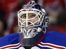 Brankář Henrik Lundqvist z NY Rangers.
