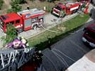 Figurantka a studentka Ivana Veverková musela při cvičení hasičů na hradě