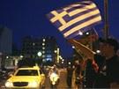 Příznivci krajně pravicové strany Zlatý úsvit slaví výsledky parlamentních