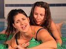 Bára a Léňa z Yellow Sisters v klipu Vylitá