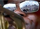 Trumpetista Brice Miller p�edvádí spolu s Mahogany Brass Band sv�j um na...