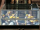 Návštěvníky vyvezl na vrcholek vysoké pece skipový výtah. (1. května 2012)