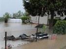 De��ov� voda a bahno z pol� zaplavily Sov�tice na Kr�lov�hradecku (3. kv�tna