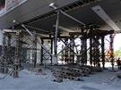 Provizorn� podp�ry nosn� konstrukce ��sti rezidence Prague Marina