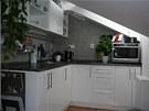 Nová kuchyňská linka je od truhláře z Trutnova. Majitelce naprosto vyhovuje.
