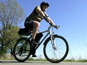 Jízda po cyklostezce v Ostravě v době rekordních veder na přelomu dubna a května.