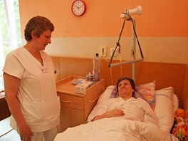 Dagmar Krakovská je po mrtvici upoutána na lůžko, ale pojišťovny už nechtějí