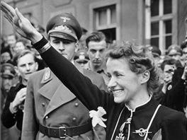 Hajlující Hana Reitsch byla ikonou nacistického režimu, ale také výbornou