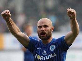 VYHRÁLI JSME! Liberecký obránce Jan Nezmar se raduje z vítězství.