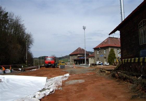 Železniční stanice Stará Paka