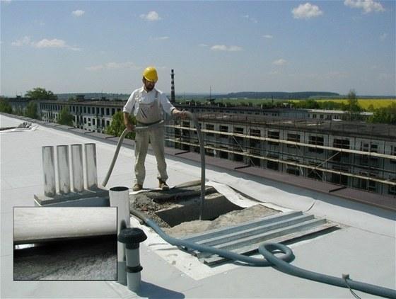 Ciur a.s. – Foukaná izolace – účinné zateplení nejen střechy