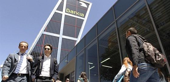 �pan�lsko zest�tn� t�m�� polovinu finan�n�ho �stavu Bankia. Ilustra�n� sn�mek