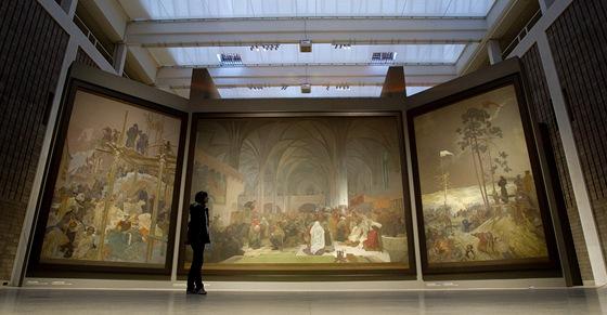 Slovanská epopej ve Veletržním paláci, na snímku triptych Kouzlo slova