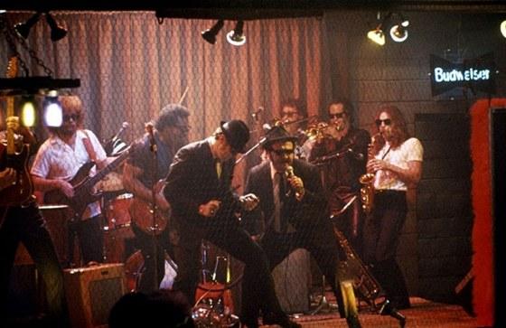 "Blues Brothers (Donald ""Duck"" Dunn zcela vlevo)"