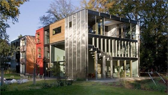 Majitel� Claudia a Gregor sv��ili n�vrh domu slavn�mu holandsk�mu studiu MVRDV.