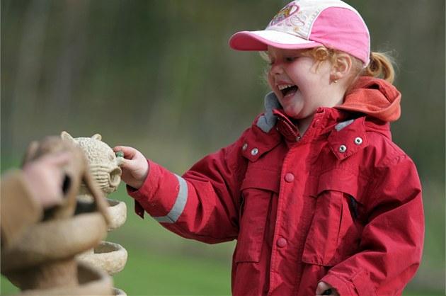 Arboretum v Rudce otevřelo Zahradu smyslů s interaktivními modely pro slepce.