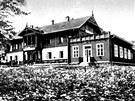 Hotel Hubertus v Karlově Studánce na Bruntálsku v roce 1914.