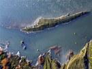 Zatápění povrchového dolu lomu Medard na Sokolovsku,letecký snímek.