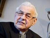 Kardin�l Miroslav Vlk p�i rozhovoru pro iDNES.cz