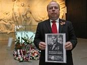 Exprimátor Ostravy a nyní ruský honorární konzul Aleš Zedník s fotografií