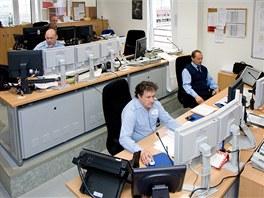 Kdo řídí dispečerské pracoviště? (zespodu zleva) Výpravčí II. - ovládá