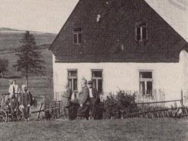 V osadě Königsmühle stávalo šest domů. Dnes z nich zbyly jen ruiny.
