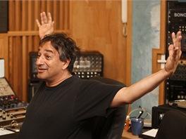 Americk� producent Yaron Fuchs v nouzovsk�m studiu Sono p�i nat��en� alba...