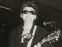 Visac� z�mek, 80. l�ta - Kytarista M. Pixa