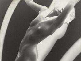 Franti�ek Drtikol: studie aktu (cca 1925-1928)