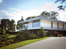 Vila podnikatele Pavla Tyka�e, jej� hodnota i s pozemkem se odhaduje na stovky