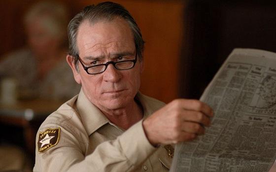 Tommy Lee Jones ve filmu Tahle země není pro starý