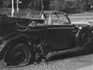 St�eda 27. kv�tna 1942, 10:35. Výbuch bomby, kterou na stojící Heydrich�v...