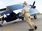 Na pardubickém letišti v neděli odpoledne přistáli první účinkující letošní Aviatické pouti, která se koná o prvním červnovém víkendu. Ze Švýcarska přiletěl námořní bombardér Grumman TBM Avenger, který má skládací křídla.