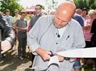 Zdeněk Pohlreich v sobotu griloval na hipodromu v Mostě.