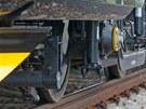 Na zku�ebn�m okruhu ve Velimi se p�edstavil nov� vlak Leo Express. (24. kv�tna