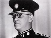 "Kapitán William E. Fairbairn, istruktor střelby a ""tichého zabíjení""."