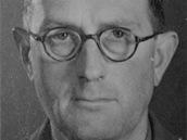 """Major Cecil V. Clarke, hlavní autor """"bomby pro Heydricha""""."""